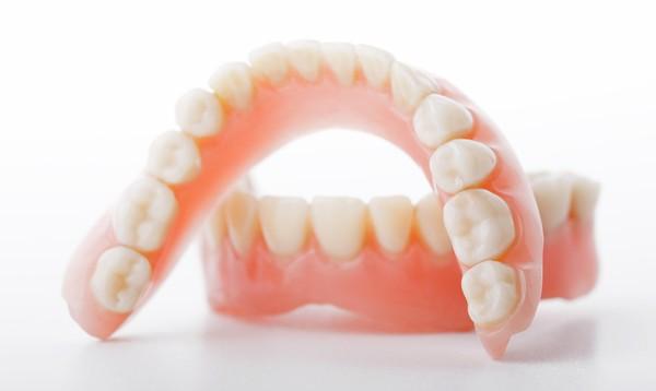 как проводится имплантация зуба