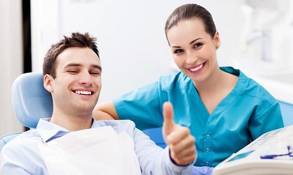 что входит в имплантацию зубов