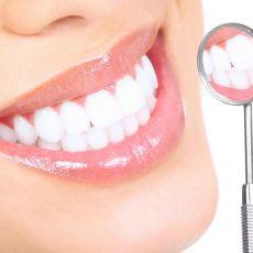 больно ли вставлять зубы